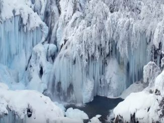 Frozen Plitvice Lakes in 4k