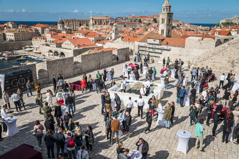 "The last episode of the TV show ""Game of Thrones"" was premiered in Dubrovnik"