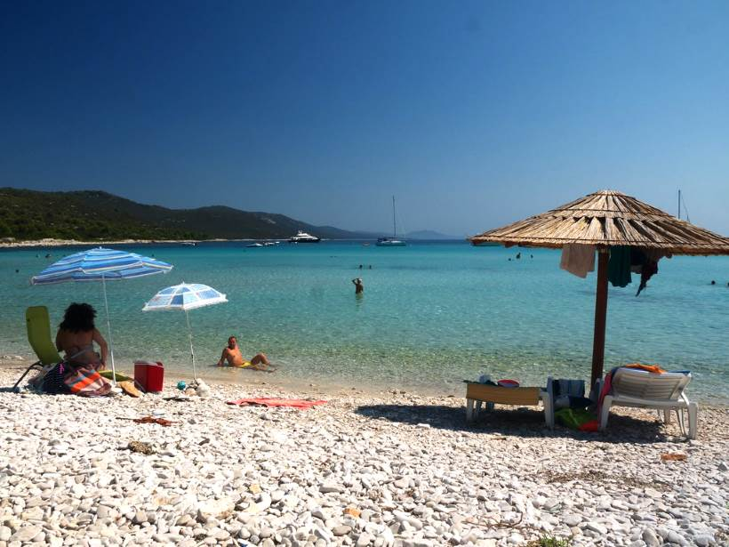 SAKARUN (Dugi otok): Beautiful white sand beach